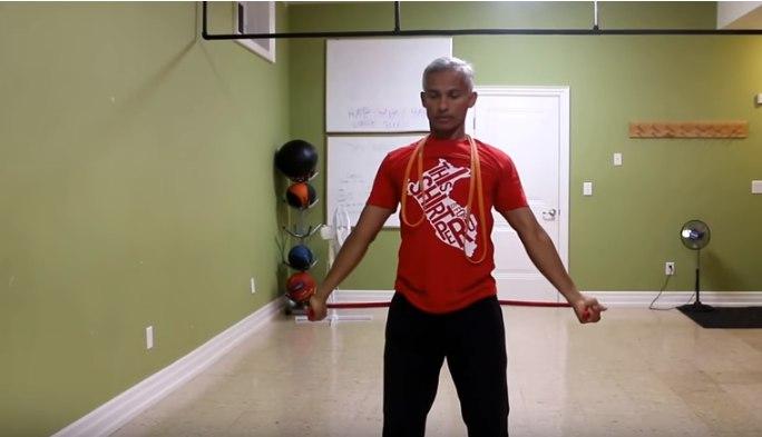 Изображение - Упражнения с резиной для плечевого сустава polukrug-s-rezinkoj-foto